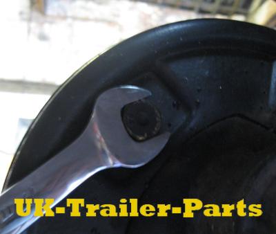 Loosen the brake adjuster